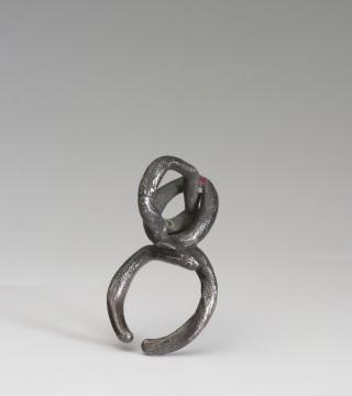 Fritsch Karl - 14.2007 (A) – ring geoxideerd zilver smaragd etc 2000