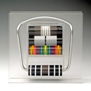 Ninaber van Eyben Bruno – 6.2006 – halssieraad gekleurde elementen 1975 FOTO VAN WEB