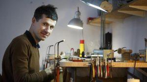 marc monzo en su taller LaVanguardia